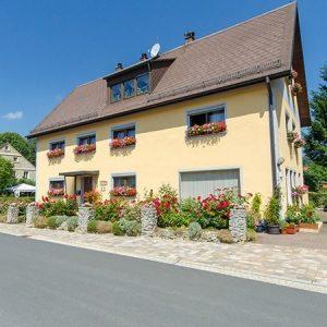 Die Aussenansicht unserer Ferienwohnung Hergl in Obernsees in der Fränkischen Schweiz.